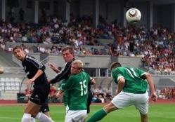 Suur duell tõi publiku staadionile. Loodetavasti toob korra veel. Foto: Hendrik Osula