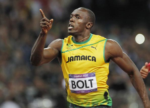 Usain Bolt sisenes jalgpallimaailmasse ikka suure pauguga! Tema tiimikaaslaseks sai legendaarne superkokk