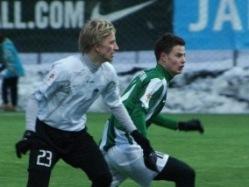 Kõigest 17-aastane Rauno Sappinen (paremal) murdis ennast hooaja avamänguks Flora esindusmeeskonda. Foto: Jana Pipar