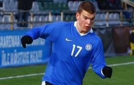 Frank Liivak saab Eesti koondise sinisärgi kõrvale Napoli helesinise. Foto: Gertrud Alatare
