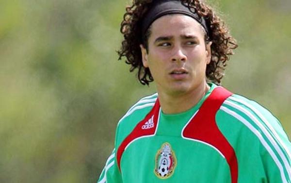 Karm, kuid aus. Ochoa võttis jalgpallurielu varjukülje ilusti kokku