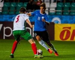 Frank Liivak (sinises) saab kirja teise mängu Eesti koondises. Foto: Gertrud Alatare