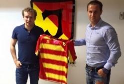 Vassiljev ja mängumehe agent Jevgeni Novikov. Foto: Nesta Sport Group