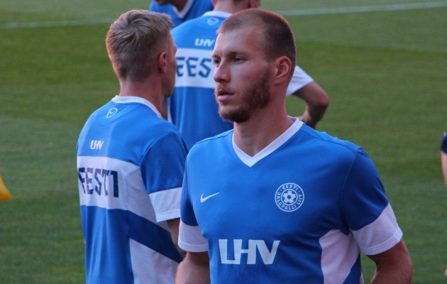 Eesti koondise kapten Ragnar Klavan koos ülejäänud kaitseliiniga peab hoolikalt Ronaldo tegemisi jälgima. Foto: Regina Rähn