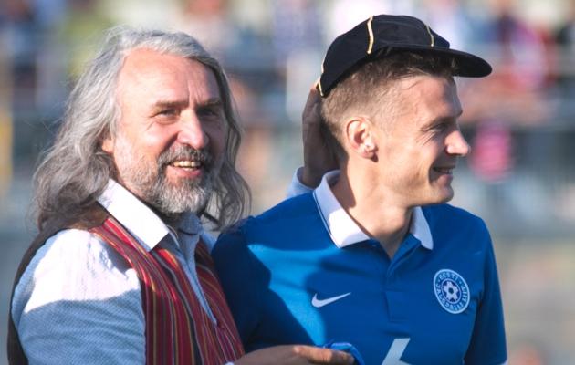 Aivar Pohlak koos eelmisel nädalal koondise eest 100. mängu teinud Aleksandr Dmitrijeviga. Foto: Jana Pipar
