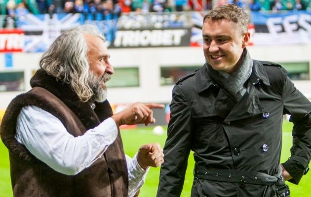 Aivar Pohlak ja Taavi Rõivas enne Eesti ja Gibraltari mängu. Foto: Gertrud Alatare