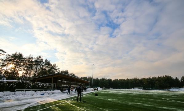 Kurb reaalsus: Eesti meistritiitel võidakse otsustada lumisel Hiiu staadionil. Foto: Jana Pipar