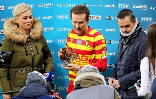 Aasta teises pooles on Vassiljev Poolas hulga auhindu teeninud: nii vooru parima, kuu parima, ilusaima värava, parima välismaalase, parima poolkaitsja kui ka parima mängija oma. Foto: Jagiellonia Twitter