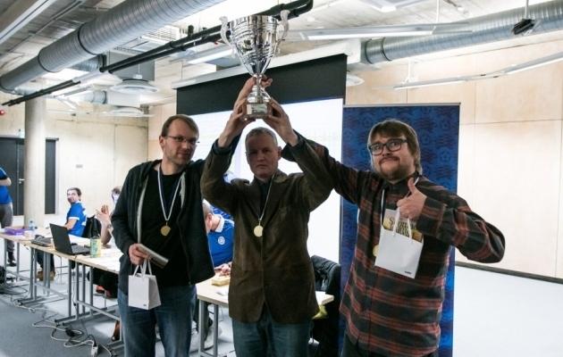 Jalgpalli mälumängu 2016. aasta võitjameeskond Jalka. Foto: EJL
