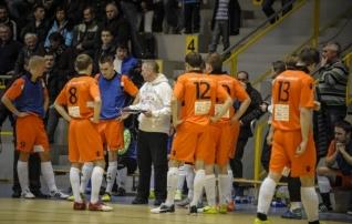 Poolfinaalid algasid Narva võiduga