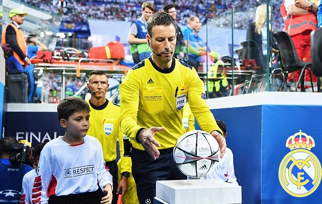 Mark Clattenburg. Foto: scoopnest.com