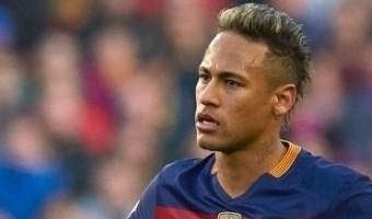 Enda väljaku poolelt purjetamist alustanud Neymar lõi suurepärase soolovärava