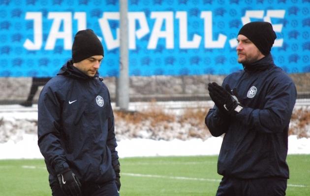 U-16 koondise treenerid Andrei Veis (vasakul) ja Andres Koogas (paremal). Foto: EJL