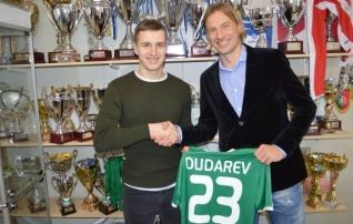 Ametlik: Dudarev jääb aastateks Levadiasse
