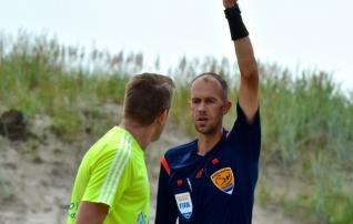Eesti rannajalgpallikohtunik teenindab kõrgetasemelist turniiri