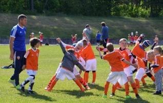 Ajaxi vaim ja Valencia võim löövad Eesti lastel silmad särama