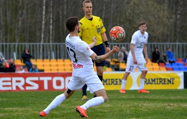 Infonet ei saa omale lubada libastumist. Narva Unitedi vastu ei saa pugeda ka kehva väljaku vabanduse taha. Foto: Liisi Troska