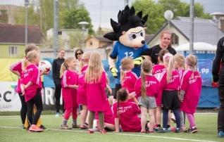 Muutuse läbi teinud tüdrukute jalgpallifestivalil osales üle 250 lapse