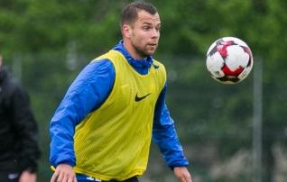 Mošnikov: ei ole õige, kui jalgpallur on paar mängu pingil ja on sellega rahul