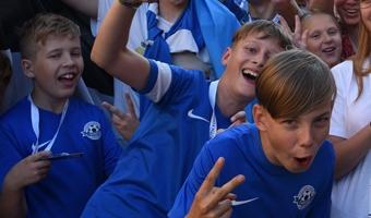 Kuidas Eesti poisid ennast välismaal tunnevad: U13??