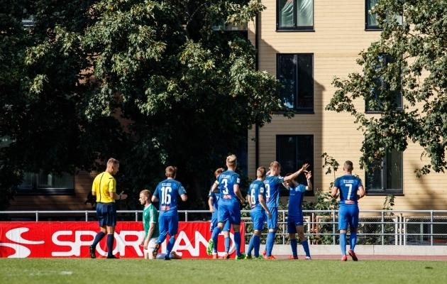 Tammeka mehed väravat tähistamas. Sander Kapper paremalt teine. Foto: Oliver Tsupsman