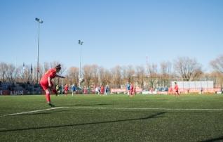 Neidude U17 koondise koosseisus koduseks valikturniiriks on muuhulgas üks välismaal mängiv jalgpallur
