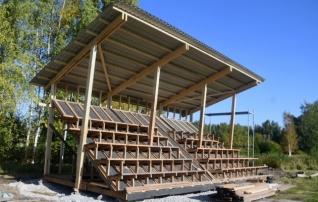III liiga klubi püstitas staadionile katusega tribüüni