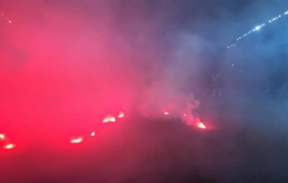 Pildid ja videod: Bosnia fännid peatasid mängu