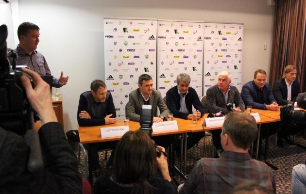Pressikonverents. Laua taga vasakult Dmitri Skiperski, Aleksandar Rogic, Andrei Leškin, Viktor Levada, Sergei Hohlov-Simson, Sergei Pareiko. Foto: Kasper Elissaar