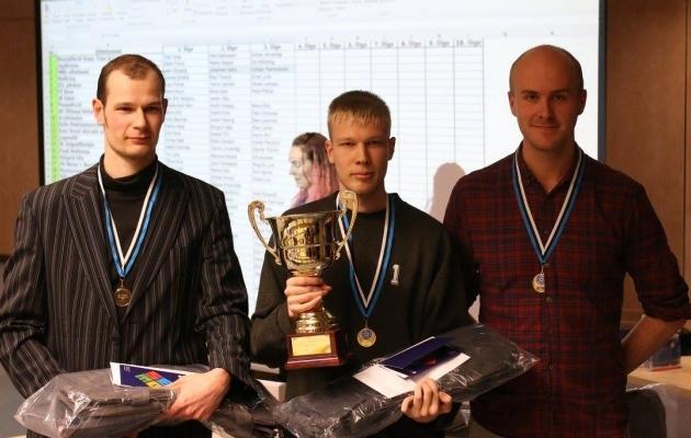 Võidukad MRG vilistlased. Foto: Eesti jalgpalli Facebook