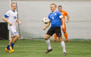 Jalgpallipere võtab taas mõõtu spordiajakirjanikega