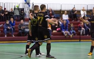 Saalijalgpalli karikaloos viis kokku Auguri ja Narva