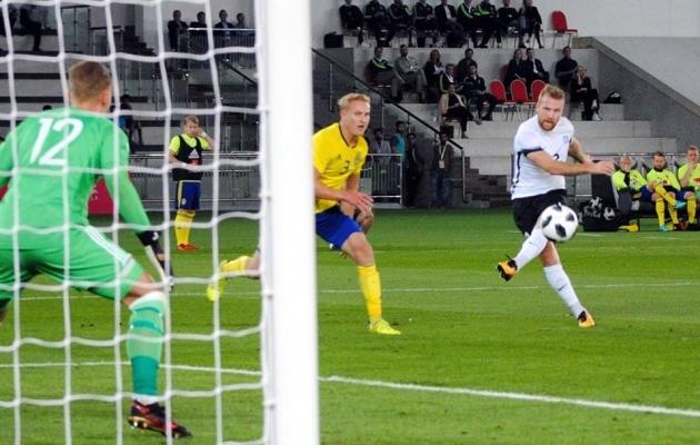 Henri Anier lõi oma vasaku jalaga Eesti ainsa värava. Foto: EJL