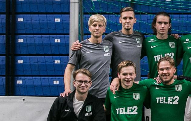 Ats Sillaste (taga vasakult esimene), Ats Kutter (taga vasakult teine) ja Georg Laasik (ees vasakult esimene) said oma tiimi Kaupo Margusonovi. Foto: Brit Maria Tael