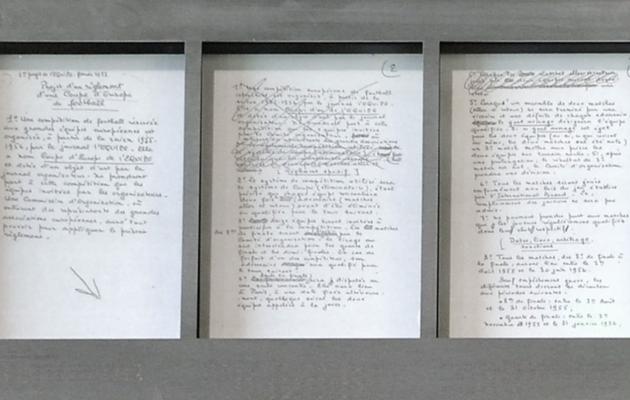 Jacques Ferrani märkmed, mille põhjal kirjutati Meistrite karikasarja reeglid. Foto: uefa.com