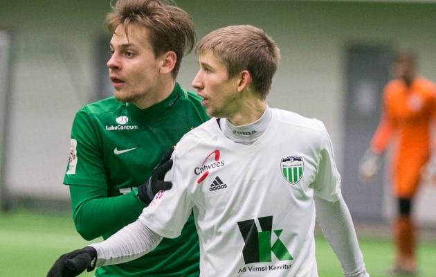 Kirill Nesterov võitlemas Flora vasakkaitsja Kevin Aloega. Foto: Brit Maria Tael
