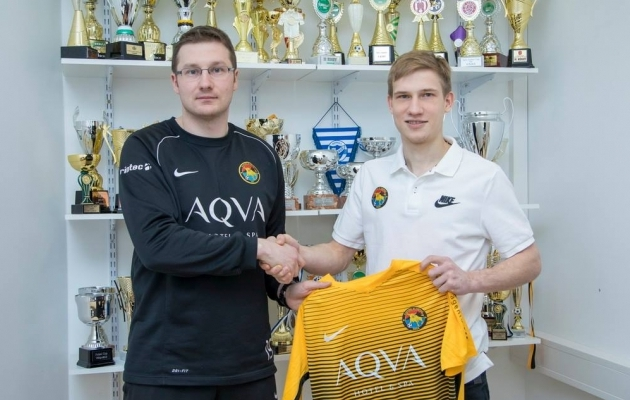 Tarva peatreener Tarmo Rebane ja German-Guri Lvov. Foto: Tarva Facebook