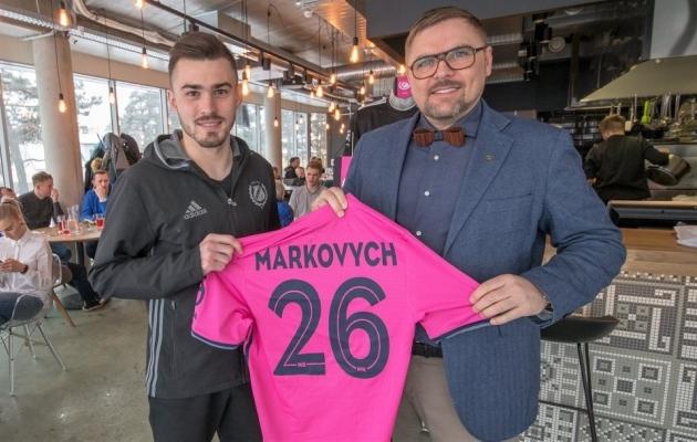 Uus täiendus Andri Markovitš ning president Kuno Tehva. Foto: Nõmme Kalju Facebook