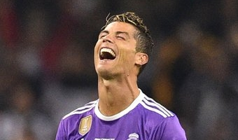 Kõigile ründajatele kohustuslik: kuidas Ronaldo endale ruumi leiab?