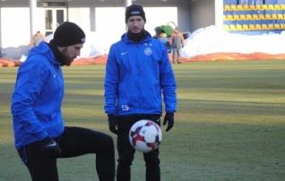 Fotod: külmast hoolimata sai koondis Kiievis treenida naturaalsel murul