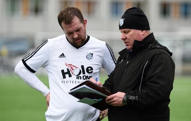 Tiit Tikenbergi (vasakul) penalti andis Keilale kordusmänguks lootust. Foto: Imre Pühvel