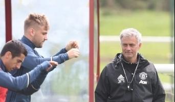 Chelsea tiirleb Mourinho peas ikka korralikult