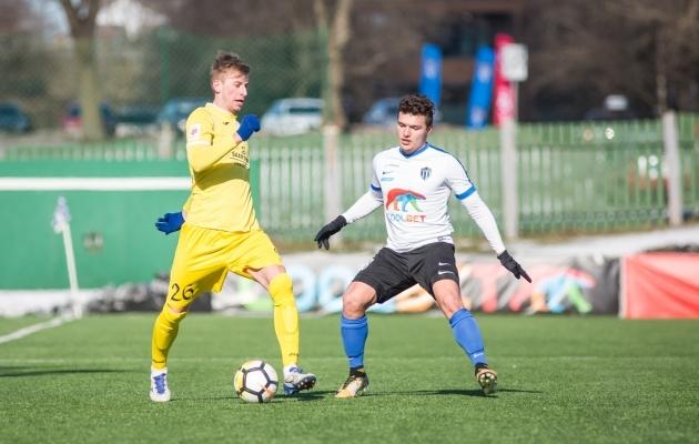 Sander Laht (kollases) lõi Kalevi vastu võiduvärava. Foto: Jana Pipar