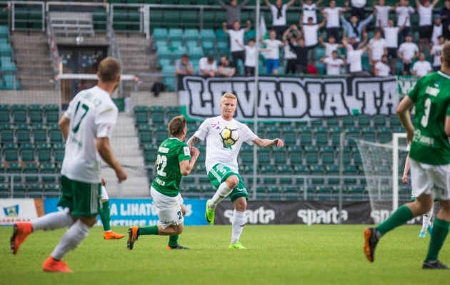 Juri Tkatšuk kannab mängukeeldu. Foto: Jana Pipar