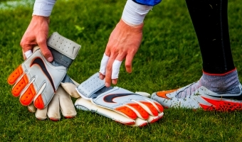 Feyenoordi U18 väravavaht pandi äärele ja mees oskab küll vist