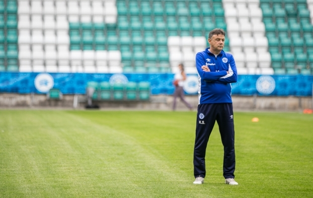 Željeznicari treener Slobodan Krcmarevic eile trenni jälgimas. Foto: Brit Maria Tael