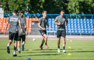 16-aastane Tamm tõi Eesti klubidele esimese võidu, aga Kalju langes välja