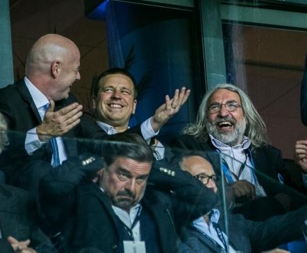 Aivar Pohlak superkarikast: tegime suure vea, jättes postide taga müüki mitteläinud toolid kinni katmata, mis tekitas tunde, et staadion ei ole välja müüdud  (Perez kutsus Pohlaku Madridi!)