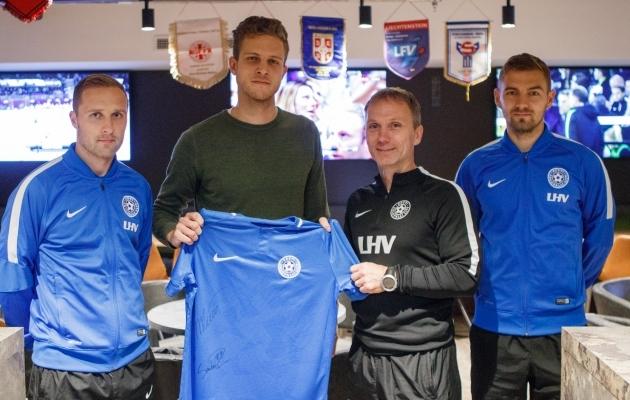 Pildil on Sander Puri, Greeg Jakobson (Amps Arena eestvedaja), Martin Reim ja Ken Kallaste. Foto: Oliver Tsupsman