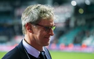 Soomlaste peatreener nimetas end õnnelikuks selliks ja tõdes, et Eesti tegi mängu nende jaoks raskeks <i>(tundis, nagu oleks mänginud kodus)</i>